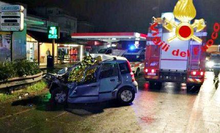 Schianto contro bus alle porte di Roma, morti 2 ventenni