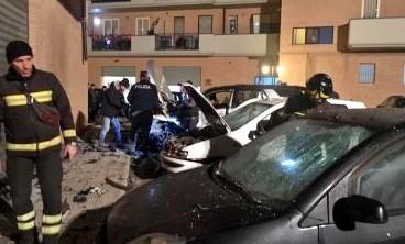 Attentato dinamitardo a Foggia, danni ad auto e abitazioni