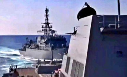 Collisione tra navi Usa e Russia sfiorata nel Mar Arabico