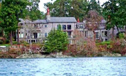 """Ecco la casa in Canada di Harry e Meghan. Il padre dell'ex attrice: """"Loro sono in debito con me"""""""