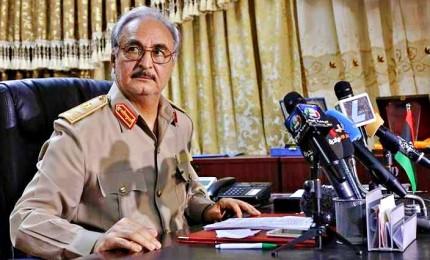 Haftar respinge tregua dei combattimenti in Libia, sì da Serraj