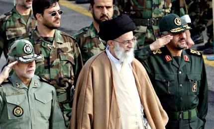 """Khamenei contro Usa e Europa: """"Trump è un pagliaccio, proteste pilotate"""""""