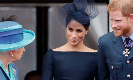 La regina dice sì a nuova vita Harry e Meghan. Ma senza fondi pubblici