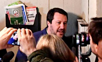 """Citofonata Salvini, """"accertamenti interni"""" su un maresciallo"""