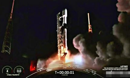 SpaceX ha portato in orbita altri 60 satelliti di Starlink