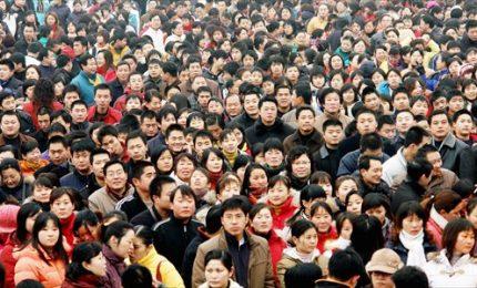 Cinesi sono 1,4 miliardi, ma tasso natalità ai minimi