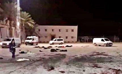 Missili su scuola militare a Tripoli, decine di morti. Governo accusa Haftar
