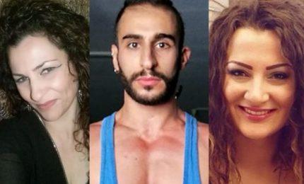 Uccide la compagna e la figlia della donna, poi si suicida