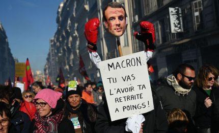 Parigi, nuova manifestazione contro riforma delle pensioni