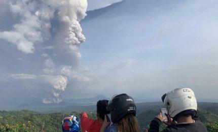 Allerta vulcano, voli sospesi all'aeroporto di Manila
