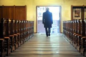 """Un anno dopo summit Vaticano su pedofilia associazioni """"deluse"""""""