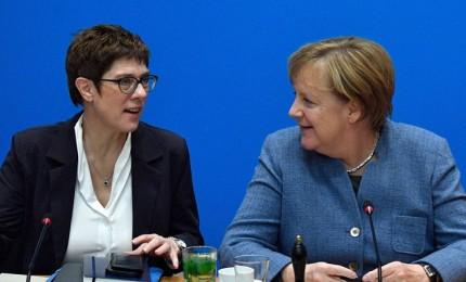 Terremoto politico in Germania, lascia l'erede designata di Merkel