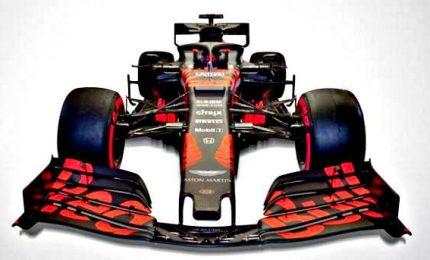 Arriva la nuova Red Bull, Verstappen subito in pista