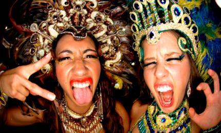 A Sydney l'annuale parata del Gay and lesbians mardi gras