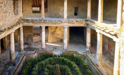 A Pompei riaperte tre Domus, anche la Casa degli Amanti