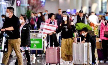 Coronavirus, controlli in Italia sui passeggeri di tutti i voli dall'estero. Si aggravano le condizioni dei due cinesi