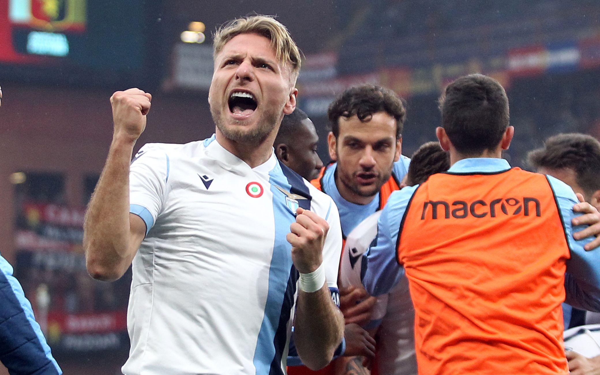 Genoa-Lazio 2-3, Inzaghi tiene il passo della Juve