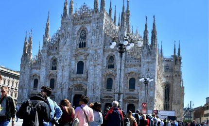 Coronavirus, a Milano Duomo chiuso. Milanesi: giusta precauzione