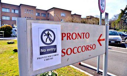 La coppia cinese non ha più il coronavirus In Emilia la dodicesima vittima, 374 contagiati