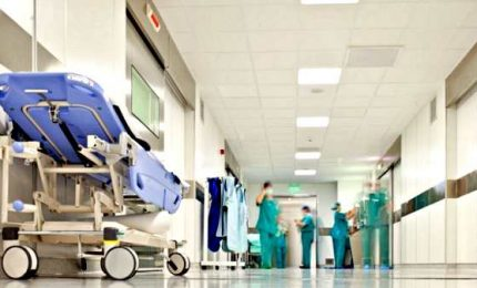 Positivo al coronavirus, 38enne ricoverato nel Milanese. Due morti a bordo della Diamond