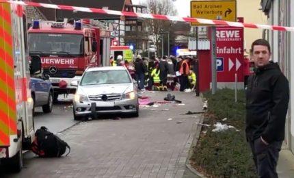 A Volkmarsen, auto sulla folla a carnevale: 30 feriti fra cui bambini