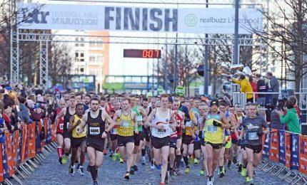 Liverpool, s'è corsa la mezza maratona: in 3.000 al via