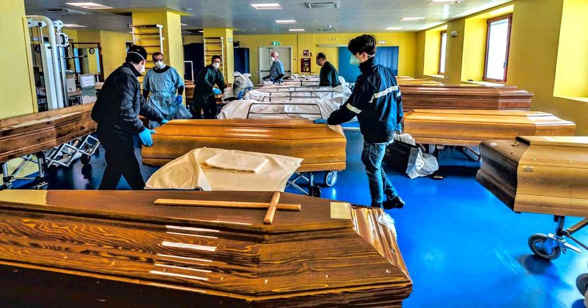 """Coronavirus, Lombardia esplode: 546 morti e oltre 3250 positivi in un giono. I sindaci: """"Fermiamoci, ma per davvero"""""""