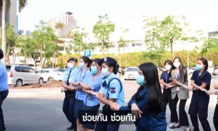 Coronavirus, ecco la danza antivirus di Bangkok diventata virale
