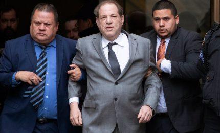 L'ex produttore Weinstein condannato a 23 anni per reati sessuali