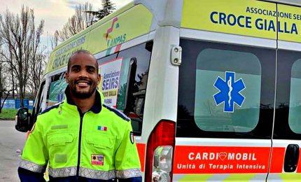 Coronavirus, il rugbista Maxime Mbandà volontario su ambulanze