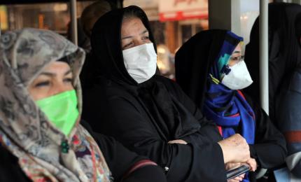 Coronavirus nel mondo, oltre 90 mila i contagiati. In Iran esplode l'epidemia, 77 vittime