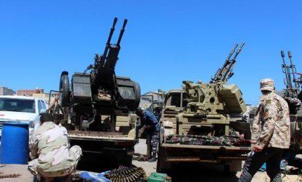 Coronavirus, Oms: Libia tra i Paesi più a rischio. Tripoli estende coprifuoco mentre si intensificano scontri