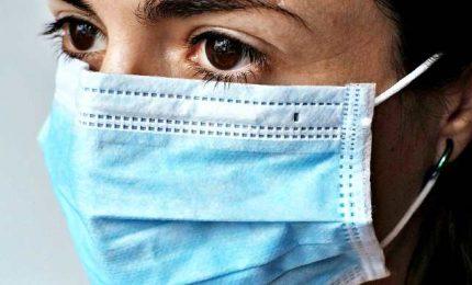 Coronavirus, sempre meno contagiati ma si continua a morire. Superate 30 mila vittime
