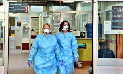 """Stop a nozze e funerali, locali chiusi: Nord Italia in quarantena. L'allarme dei medici: """"Senza drastiche misure disastrosa calamità sanitaria"""""""