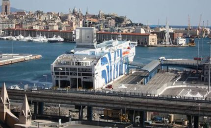 Coronavirus, apre ai pazienti nave-ospedale a Genova