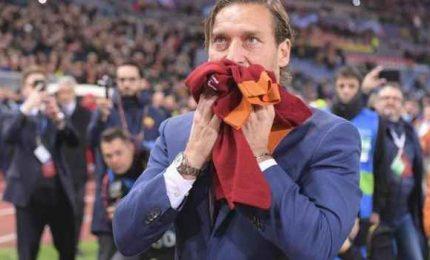 """Totti: """"Un amore che non avrà mai fine"""". Il ricordo della Roma"""