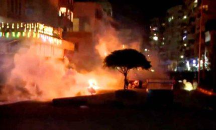 Libano, nuova notte di violenti scontri a Tripoli