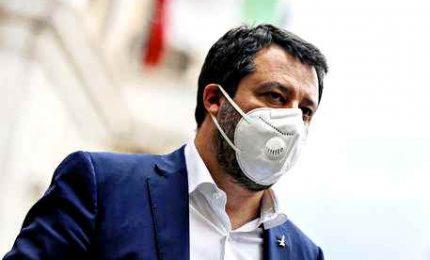 Salvini con 'IoApro': sacrosanto. Gli organizzatori: già 60mila
