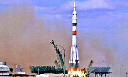 La Soyuz Ms-16 con 3 uomini a bordo lanciata verso l'Iss