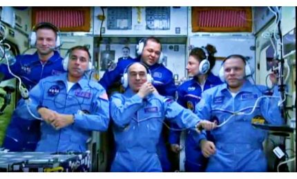 L'equipaggio dell'ISS è di nuovo al completo
