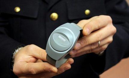 Carceri, arrivano 4.700 braccialetti per i domiciliari