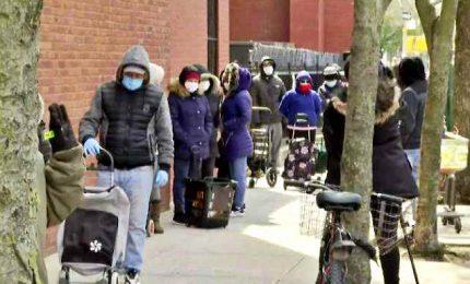 In fila per gli aiuti a New York, lo Stato Usa più colpito