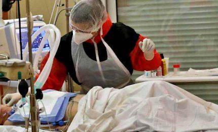 Coronavirus, più di 160 mila morti nel mondo. In Usa, i contagiati sono un terzo del pianeta