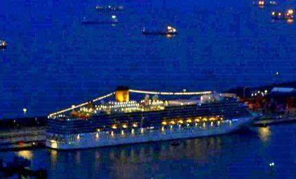 Coronavirus, a Barcellona sbarcano 168 passeggeri Costa Deliziosa