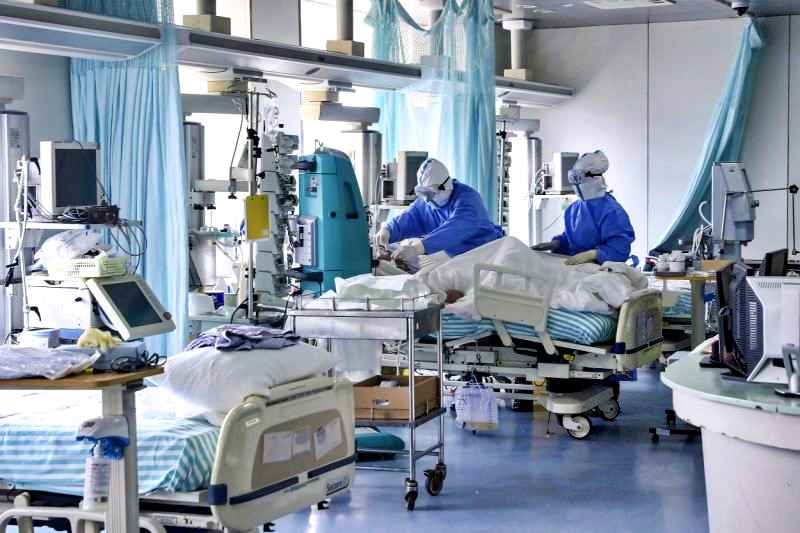 Covid, 3 nuovi casi su 4 in Lombardia. Solo 353 in terapia intensiva