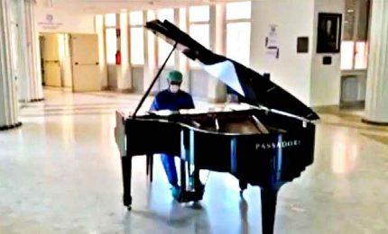 Agli Spedali Civili a Brescia medico suona Beethoven a fine turno