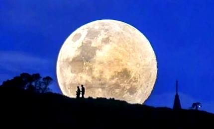 Immagini spettacolari della Superluna