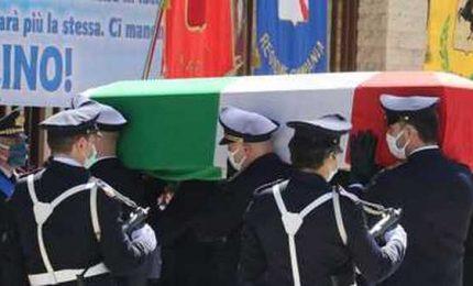 Funerali del poliziotto ucciso da banda di rapinatori