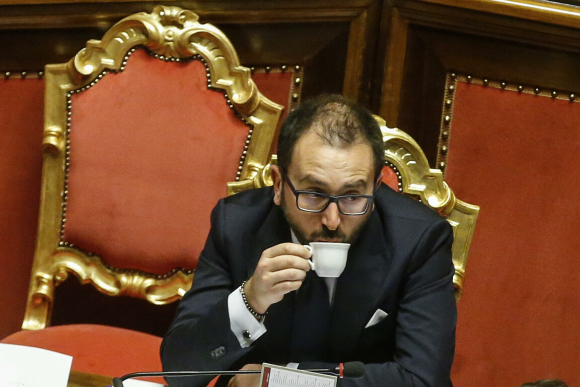 Bonafede: chat su Salvini? Intercettazioni al vaglio