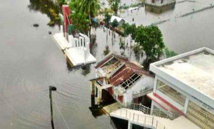 Bangladesh, in 100mila bloccati dalla furia del ciclone Amphan